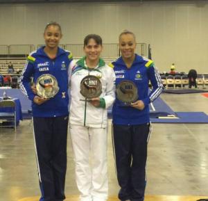 Stupně vítězů ve čtyřboji. Zleva: Pedro, Chusovitina, Oliveira